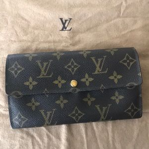 Louis Vuitton Sarah Long Bifold Wallet